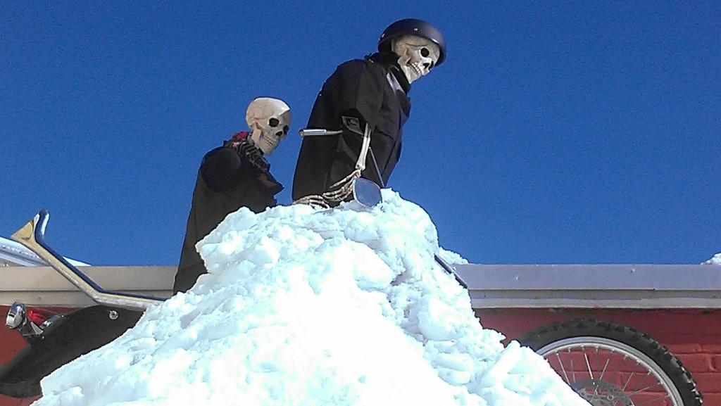 roof snow bikers
